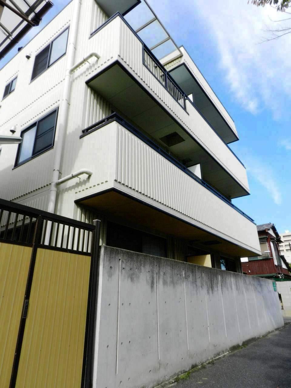 千葉県船橋市、下総中山駅徒歩3分の築13年 3階建の賃貸マンション