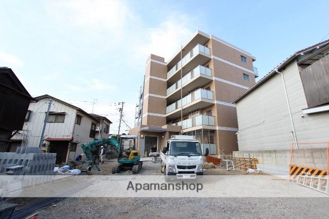 千葉県市川市、下総中山駅徒歩9分の築3年 5階建の賃貸マンション