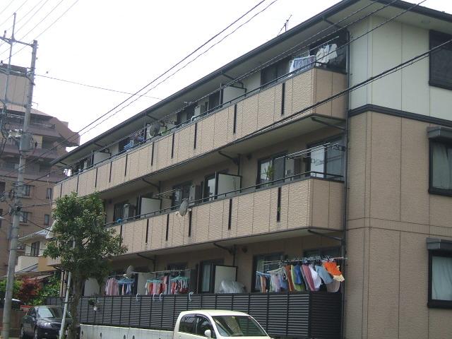 千葉県市川市、東松戸駅徒歩21分の築19年 3階建の賃貸マンション