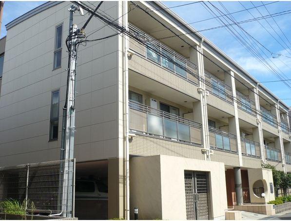 千葉県市川市、南行徳駅徒歩14分の築10年 3階建の賃貸マンション