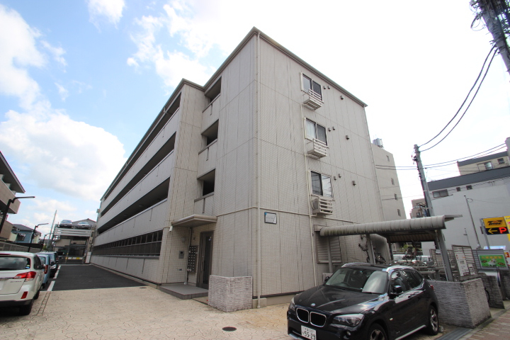 千葉県市川市、市川駅徒歩6分の築8年 4階建の賃貸マンション