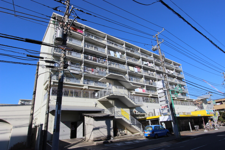 千葉県市川市、下総中山駅徒歩8分の築43年 8階建の賃貸マンション