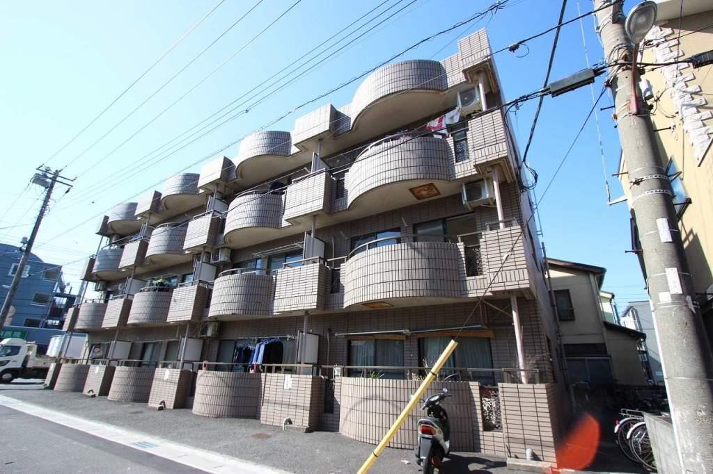 千葉県市川市、本八幡駅徒歩21分の築26年 3階建の賃貸マンション