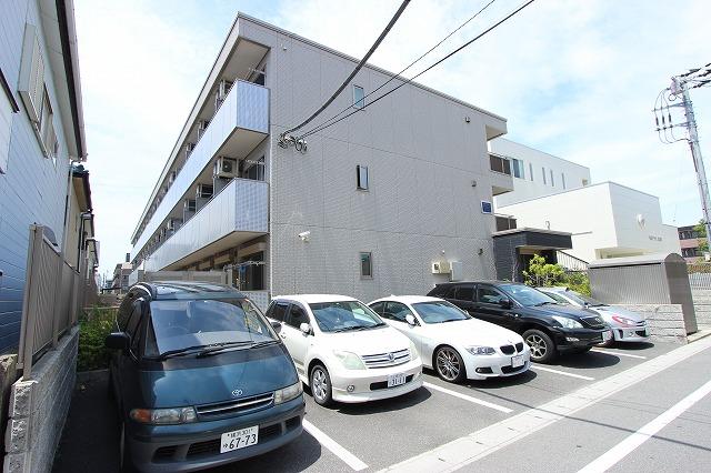 千葉県船橋市、下総中山駅徒歩7分の築8年 3階建の賃貸マンション