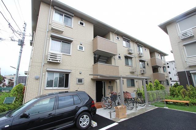 千葉県市川市、本八幡駅徒歩13分の築5年 3階建の賃貸アパート