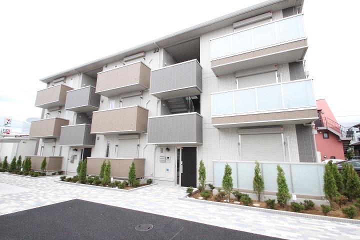 千葉県市川市、本八幡駅徒歩22分の築3年 3階建の賃貸アパート