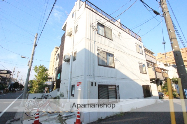 千葉県市川市、下総中山駅徒歩10分の築24年 4階建の賃貸マンション