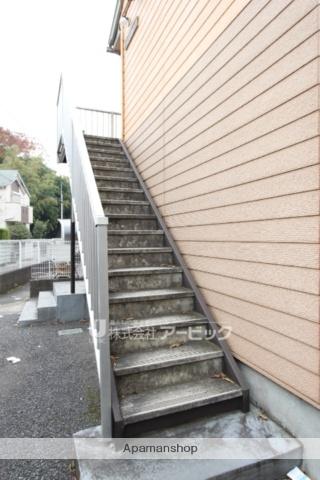 千葉県市川市、市川駅バス10分公民館下車後徒歩5分の築24年 2階建の賃貸アパート
