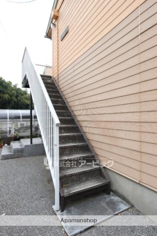 千葉県市川市、市川駅バス10分小学校下車後徒歩5分の築27年 2階建の賃貸アパート