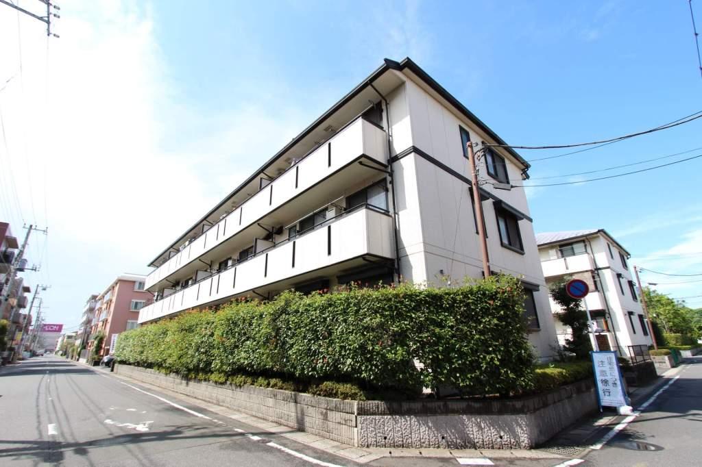 千葉県市川市、妙典駅徒歩11分の築18年 3階建の賃貸アパート
