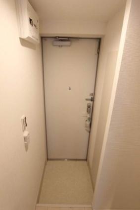 リブリ・ル・シェノン[1K/22.35m2]の玄関