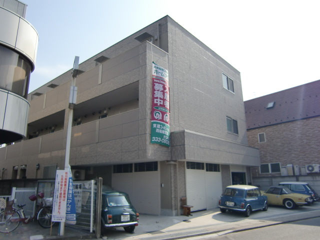 千葉県市川市、本八幡駅徒歩18分の築4年 3階建の賃貸マンション