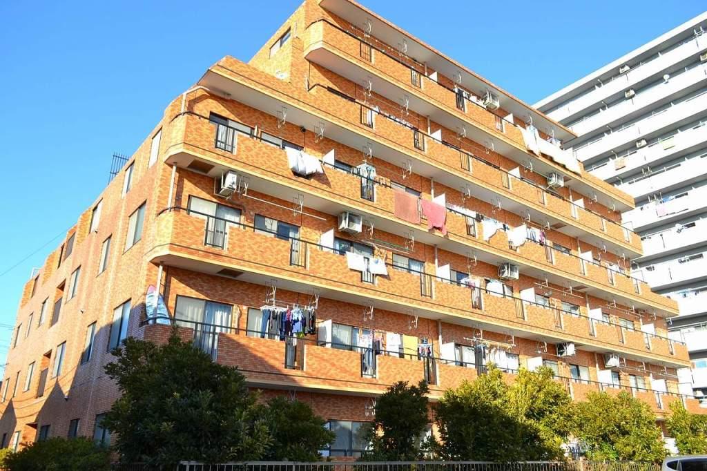 千葉県市川市、下総中山駅徒歩14分の築26年 6階建の賃貸マンション