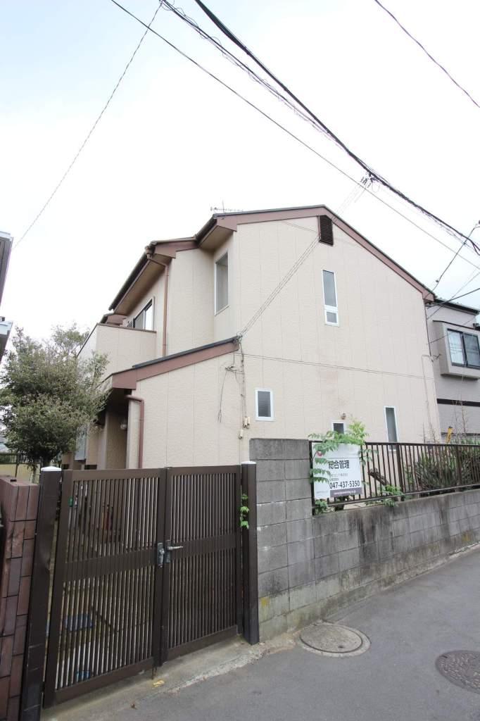 千葉県船橋市、船橋駅徒歩11分の築32年 2階建の賃貸テラスハウス