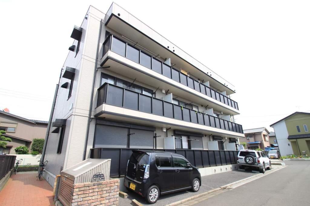 千葉県船橋市、東船橋駅徒歩5分の築15年 3階建の賃貸アパート