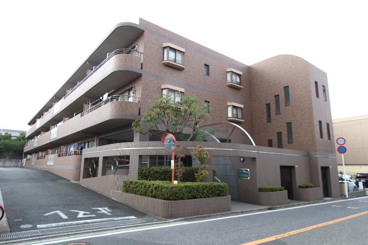 千葉県船橋市、飯山満駅徒歩8分の築17年 3階建の賃貸マンション