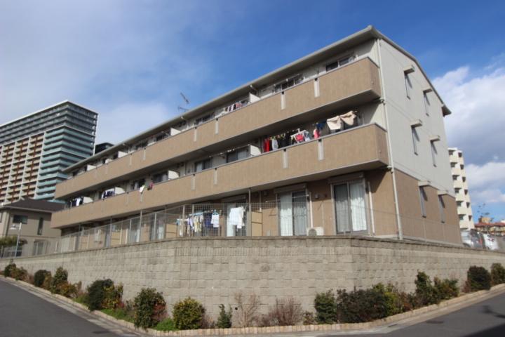 千葉県習志野市、津田沼駅徒歩12分の築4年 3階建の賃貸アパート