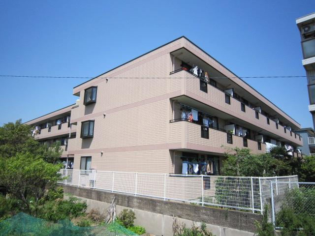 千葉県市川市、下総中山駅徒歩19分の築22年 3階建の賃貸アパート