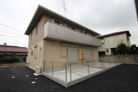 千葉県習志野市、京成大久保駅徒歩27分の築2年 2階建の賃貸テラスハウス