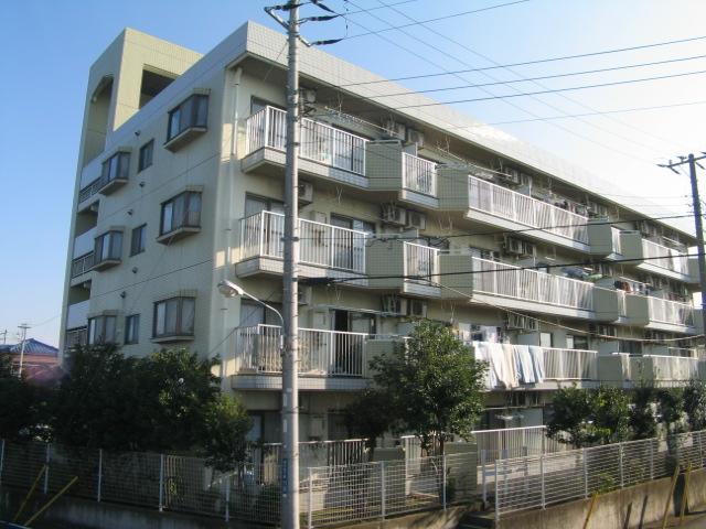 千葉県浦安市、浦安駅徒歩15分の築28年 4階建の賃貸マンション