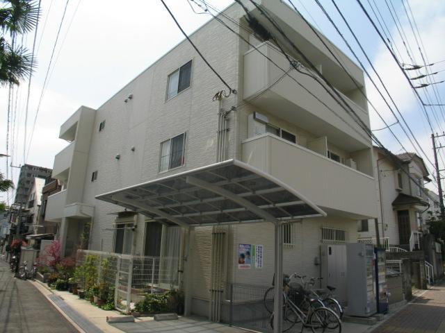 千葉県浦安市、浦安駅徒歩12分の築8年 3階建の賃貸アパート