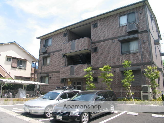 千葉県浦安市、浦安駅徒歩10分の築9年 3階建の賃貸マンション