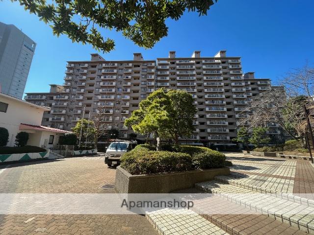 千葉県浦安市、新浦安駅徒歩2分の築31年 14階建の賃貸マンション