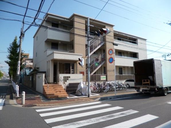 千葉県浦安市、新浦安駅徒歩30分の築8年 3階建の賃貸マンション