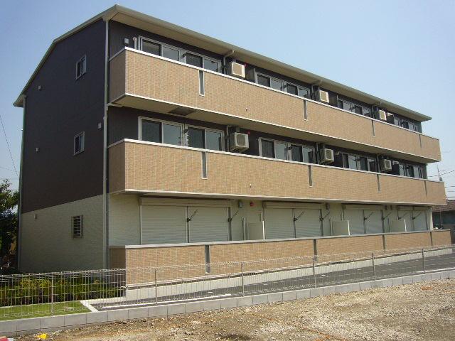 埼玉県八潮市、八潮駅徒歩22分の築6年 3階建の賃貸アパート