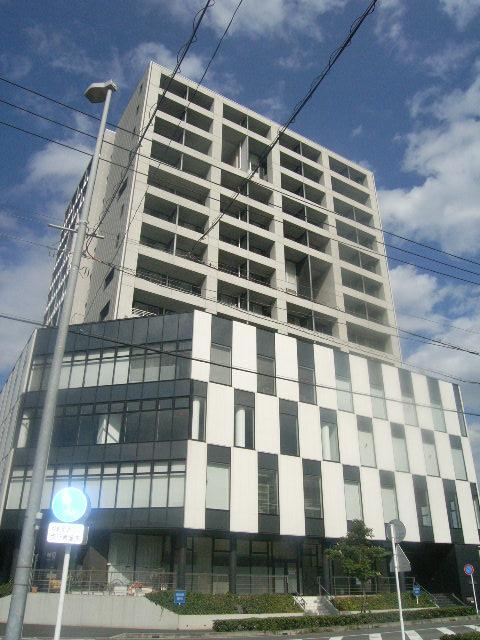 千葉県千葉市中央区、千葉みなと駅徒歩2分の築10年 13階建の賃貸マンション