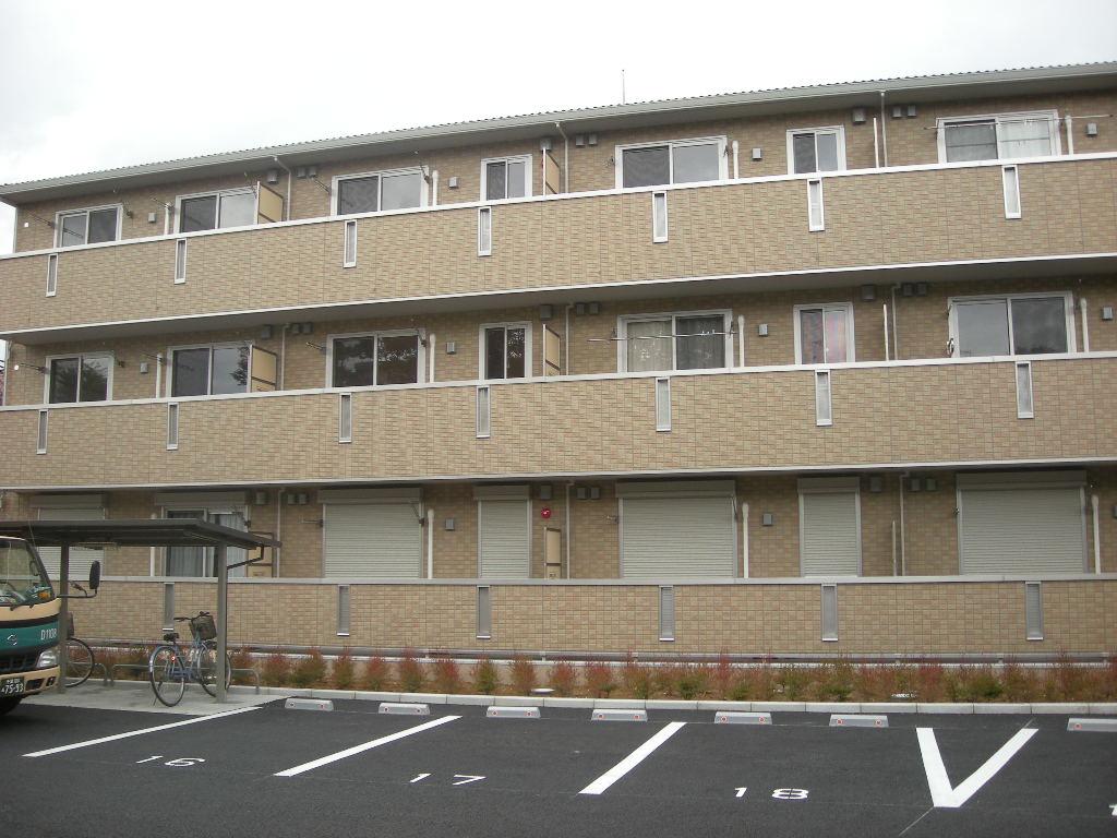 千葉県千葉市中央区、本千葉駅徒歩16分の築8年 3階建の賃貸アパート