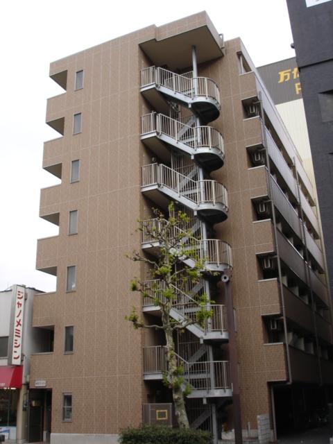 千葉県千葉市中央区、千葉駅徒歩13分の築13年 7階建の賃貸マンション