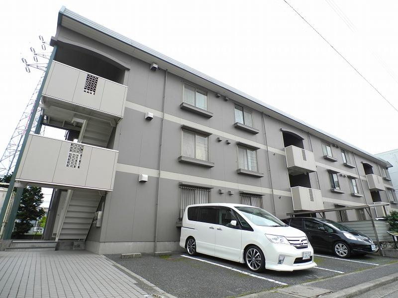 千葉県松戸市、新松戸駅徒歩12分の築26年 3階建の賃貸アパート