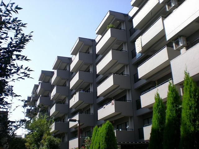 東京都西東京市、西武柳沢駅徒歩24分の築28年 6階建の賃貸マンション