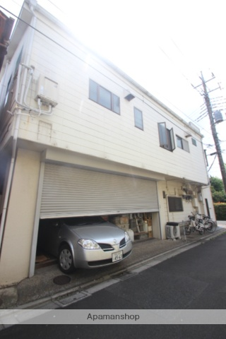 東京都江戸川区、新小岩駅徒歩15分の築28年 3階建の賃貸アパート