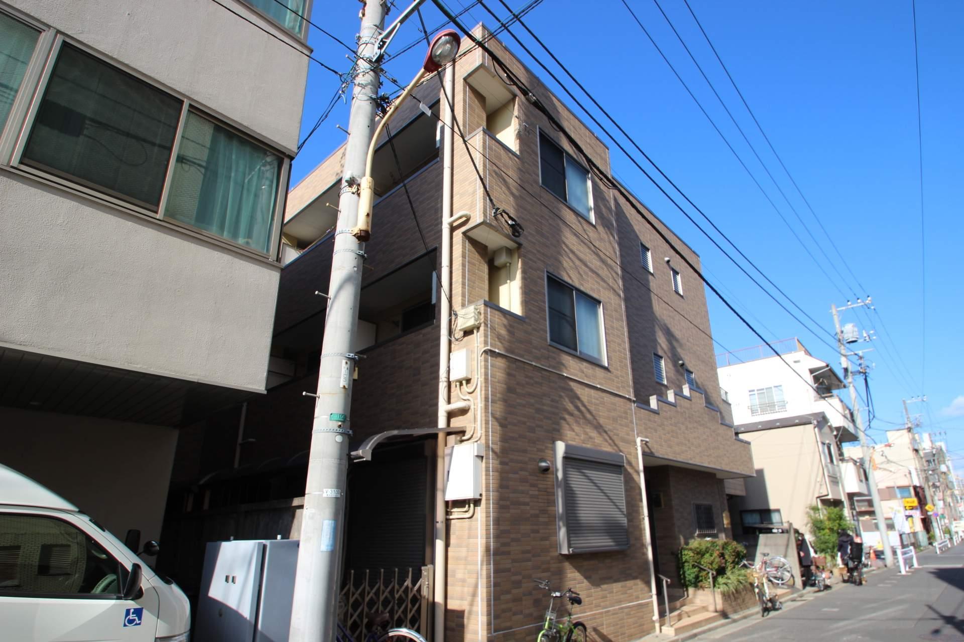 東京都墨田区、平井駅徒歩22分の築10年 3階建の賃貸マンション