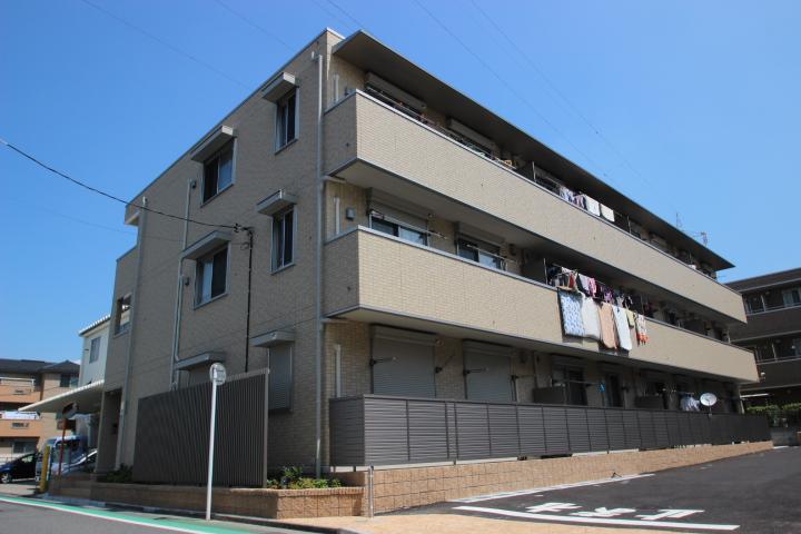 東京都葛飾区、新小岩駅徒歩17分の築4年 3階建の賃貸アパート
