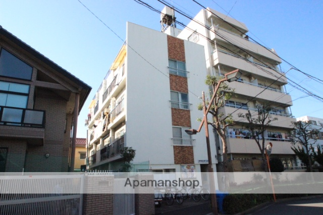 東京都葛飾区、新小岩駅徒歩13分の築47年 4階建の賃貸マンション