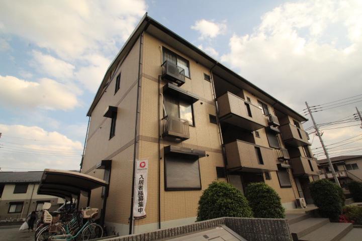 東京都葛飾区、小岩駅徒歩18分の築13年 3階建の賃貸アパート