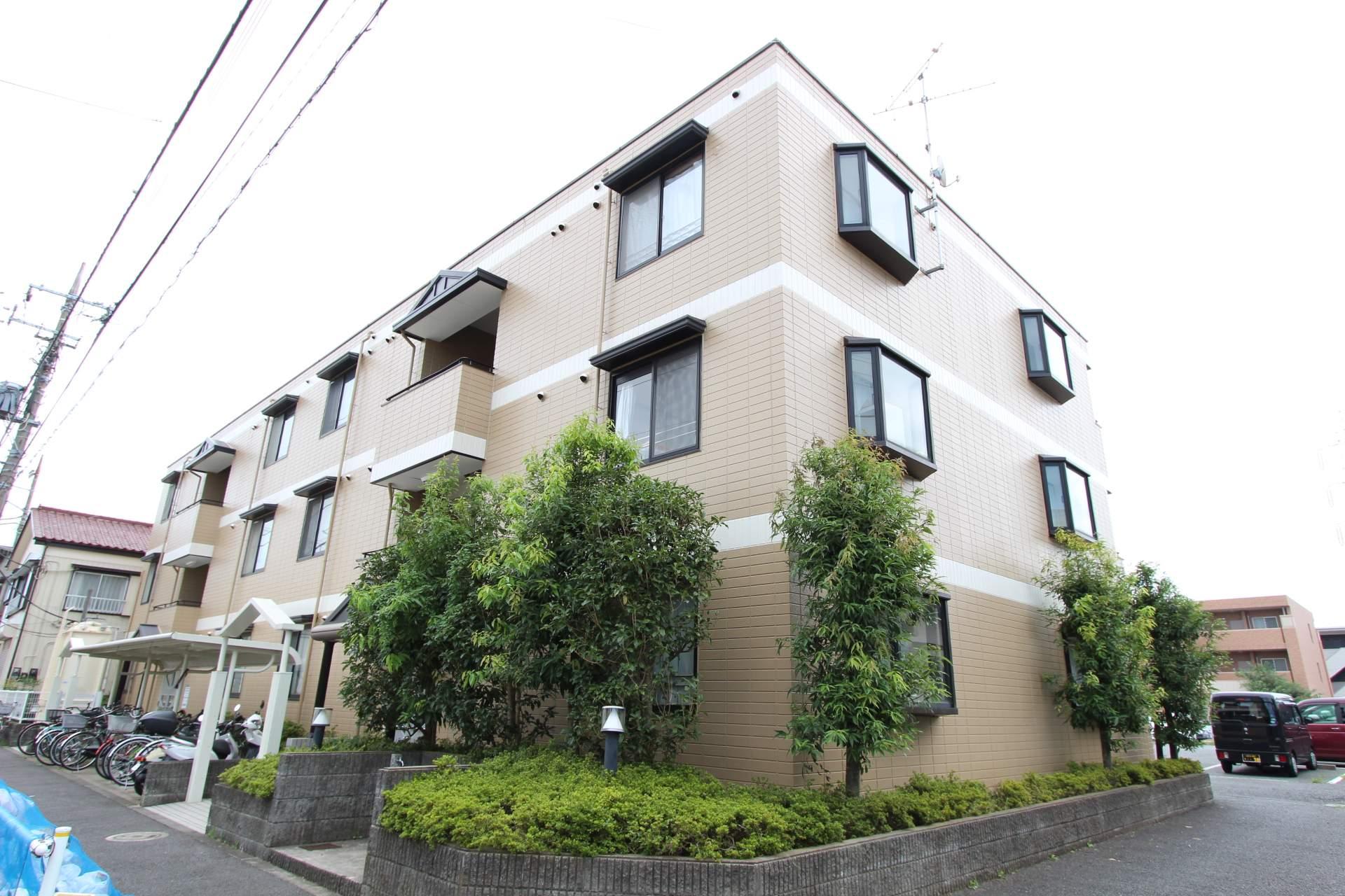 東京都葛飾区、新小岩駅徒歩28分の築23年 3階建の賃貸マンション