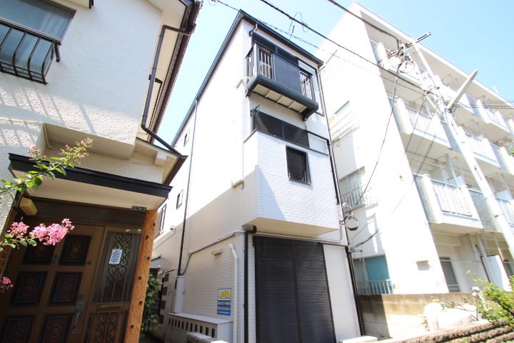 東京都葛飾区、新小岩駅徒歩10分の築22年 3階建の賃貸マンション
