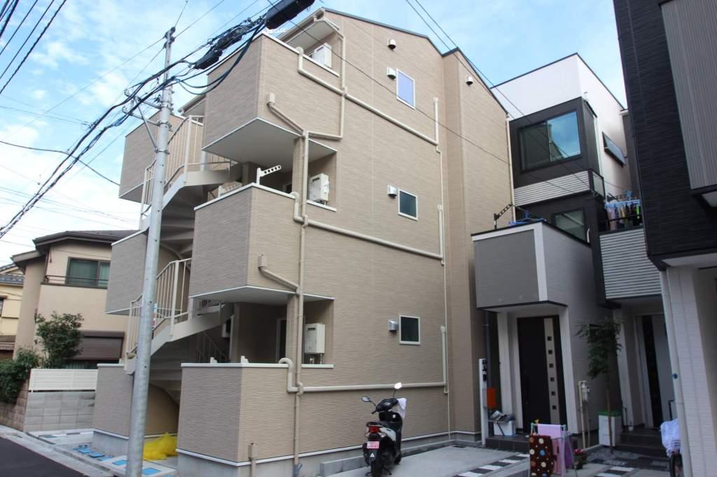 東京都墨田区、平井駅徒歩30分の築1年 3階建の賃貸アパート