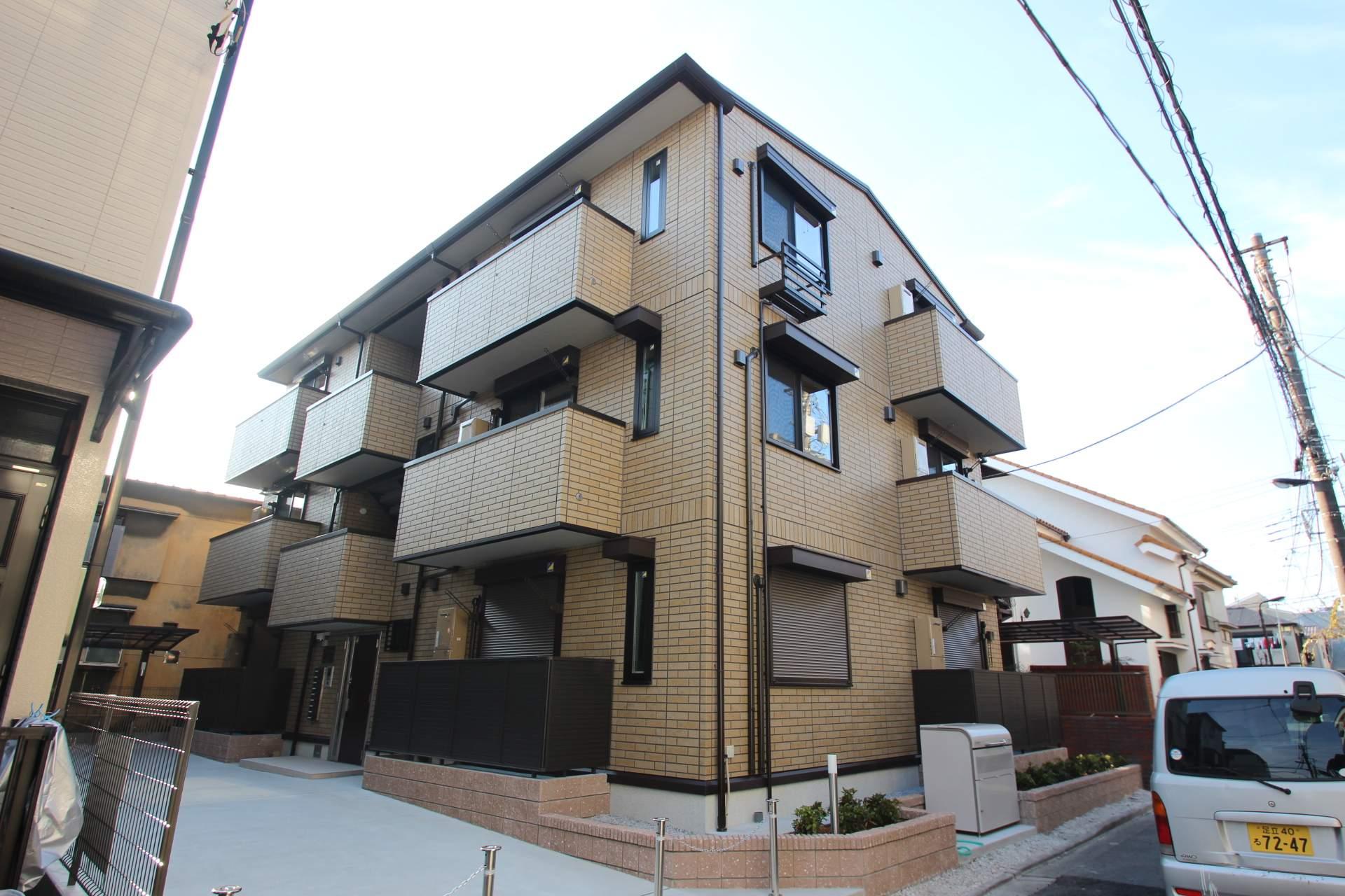 東京都墨田区、亀戸駅徒歩26分の築1年 3階建の賃貸アパート