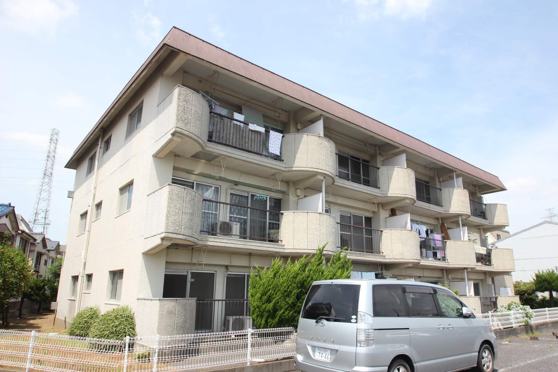 東京都葛飾区、小岩駅徒歩15分の築37年 3階建の賃貸マンション