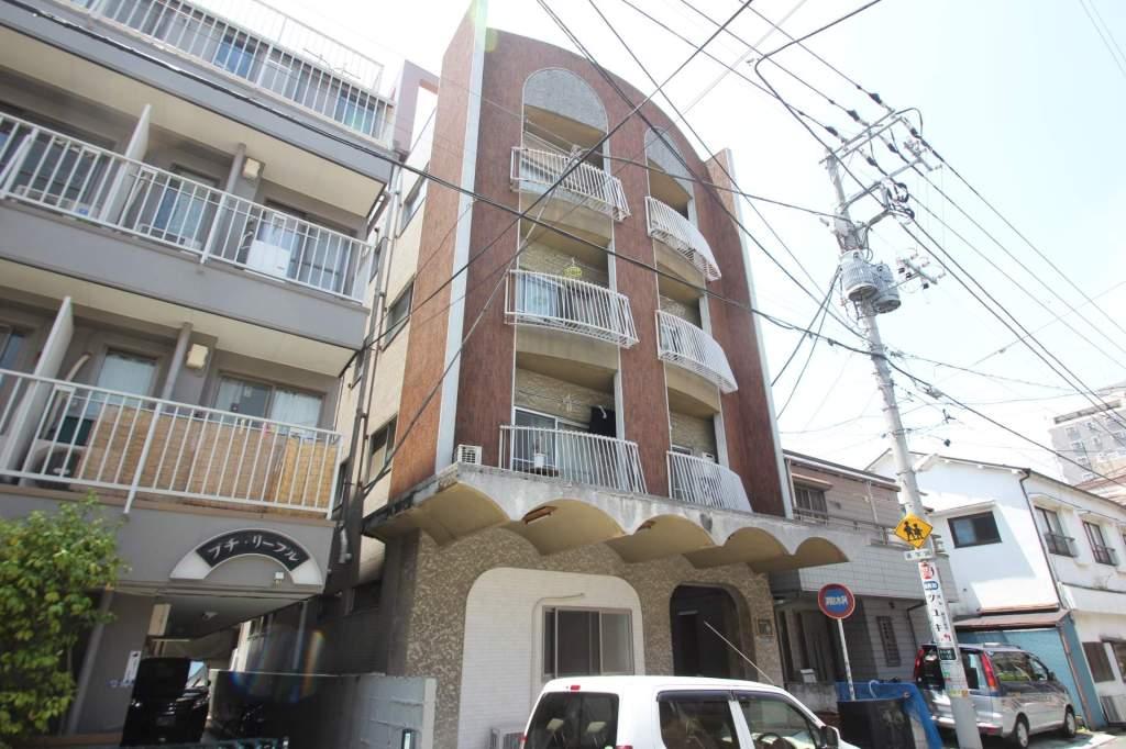 東京都葛飾区、新小岩駅徒歩5分の築39年 4階建の賃貸マンション