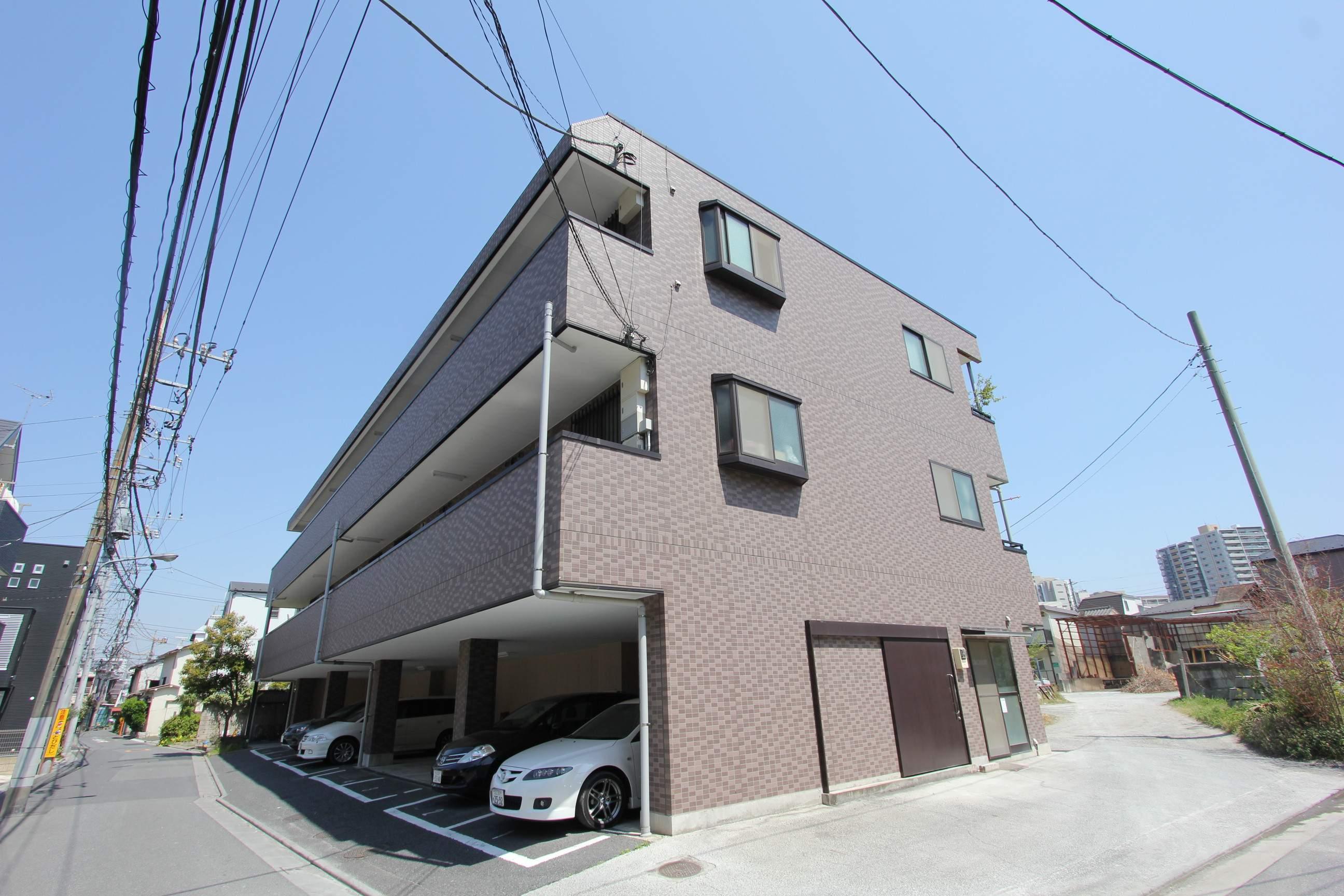 東京都江戸川区、平井駅徒歩13分の築16年 3階建の賃貸マンション