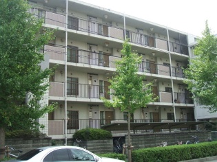 東京都足立区、梅島駅徒歩20分の築24年 4階建の賃貸マンション