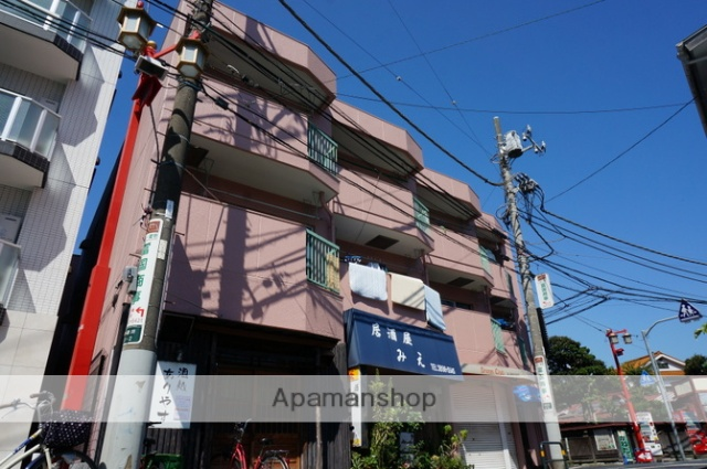 東京都足立区、大師前駅徒歩4分の築38年 3階建の賃貸マンション