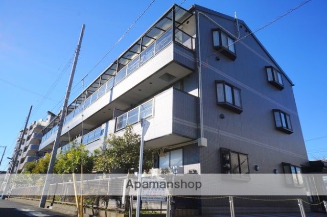 東京都足立区、竹ノ塚駅徒歩7分の築22年 3階建の賃貸マンション