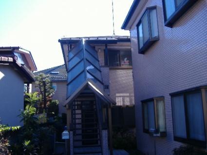 東京都調布市、仙川駅徒歩6分の築30年 2階建の賃貸アパート